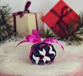 Kalėdinių eglutės žaisliukų gamybos pamoka